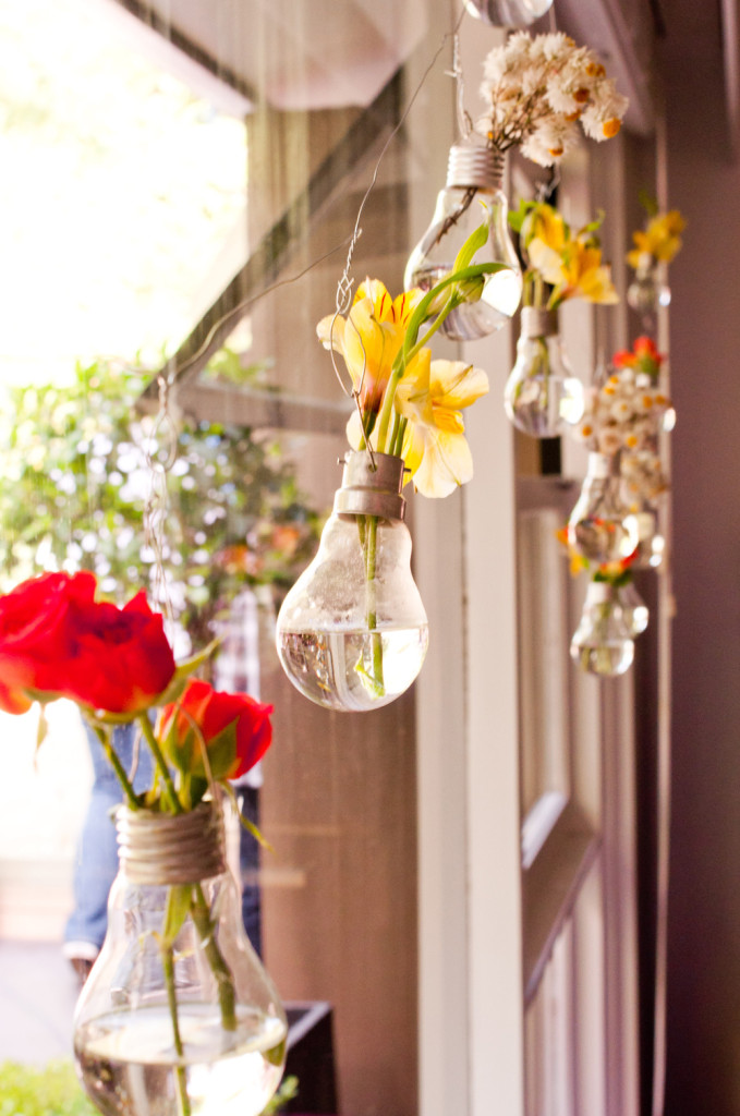 DIY Project - Light Bulb Bud Vase - Perfect for Table Decor or hanging flowers at wedding ceremony or reception. Step by Step Instructions. Also for birthdays, showers, anniversaries!