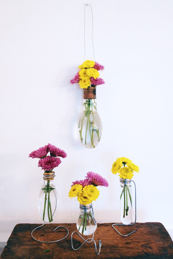DIY Project Light Bulb Bud Vase Perfect for Table Decor or hanging flowers at wedding ceremony or reception. Step by Step Instructions. Also for birthdays, showers, anniversaries!